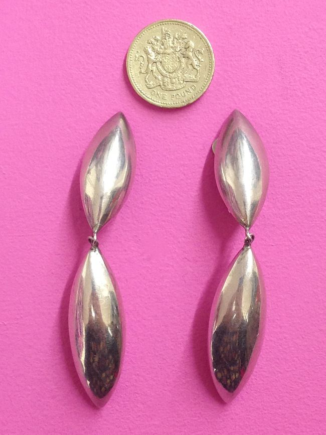 vintage 925 Silver Oval Drop Earrings scale