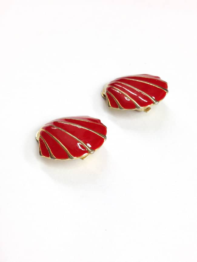 Red 1980s Vintage Earrings Shell Shape side