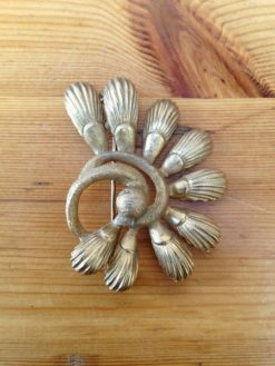 Golden vintage brooch art deco